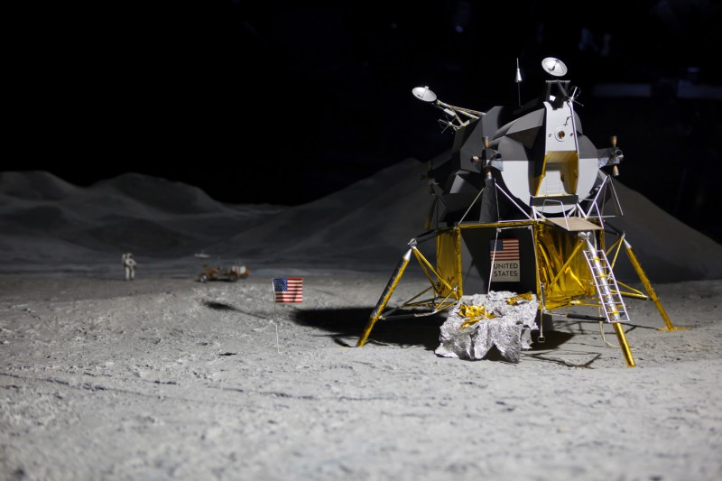 How SpaceX Won NASA's Lunar Lander Contract